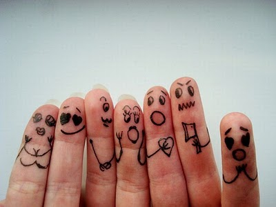 05-fingers-art