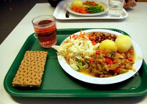 worldly_school_lunches_640_17