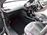 プジョー 2008 車内クリーニング