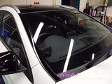メルセデスベンツ GLA45 窓ガラスウロコ除去&撥水コーティング