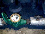 水道メーターと90°コック