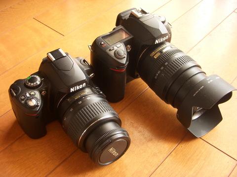 Nikon D40(左) Nikon D70s(右)