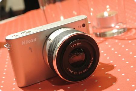 Nikon 1 J1シルバー