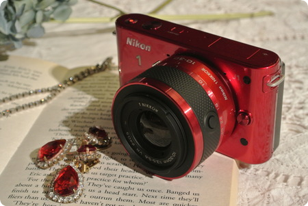 Nikon 1 J1レッド