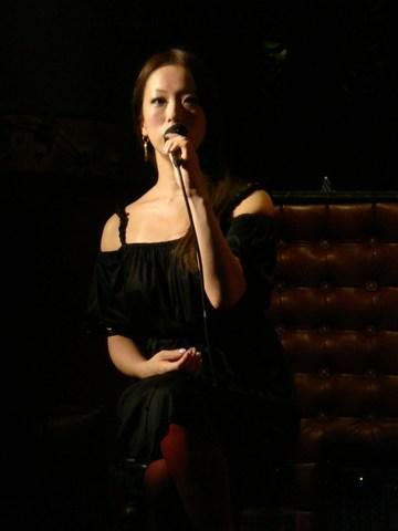 ☆.:*・゜゜世界一キレイな花嫁への14日間☆.:*・゜゜ パンテーン ティアラプロシェクト 2008 パンテーンのCMソングはこの人が歌っています。