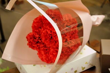 日比谷花壇 2019年 最も人気だった選べるスイーツとお花の母の日ギフト