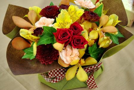 【日比谷花壇オリジナル】 2016年 敬老の日ギフト 選べるスイーツとお花のギフト