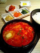 東京純豆腐 【ピリリと辛い韓国の豆腐鍋】