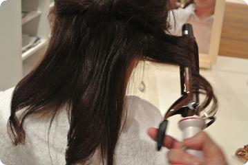アイロンの熱のダメージを抑えた巻き髪