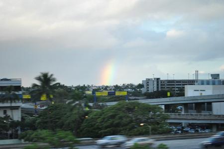 ハワイ 虹 アラモアナホテル