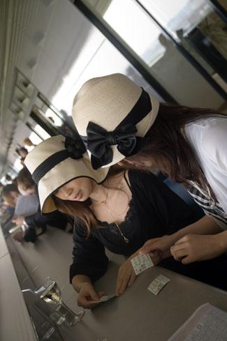 0602-10帽子な二人