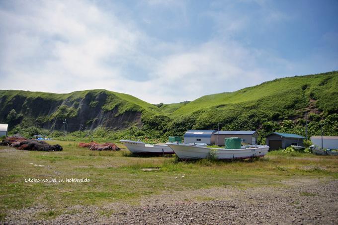 1225-14船と丘
