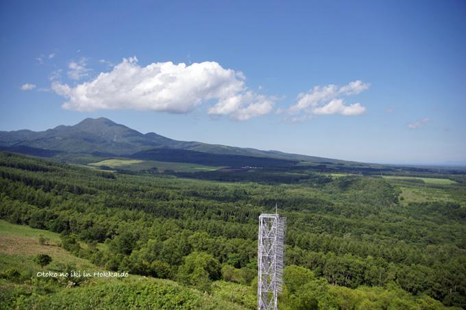 1126-3空と山