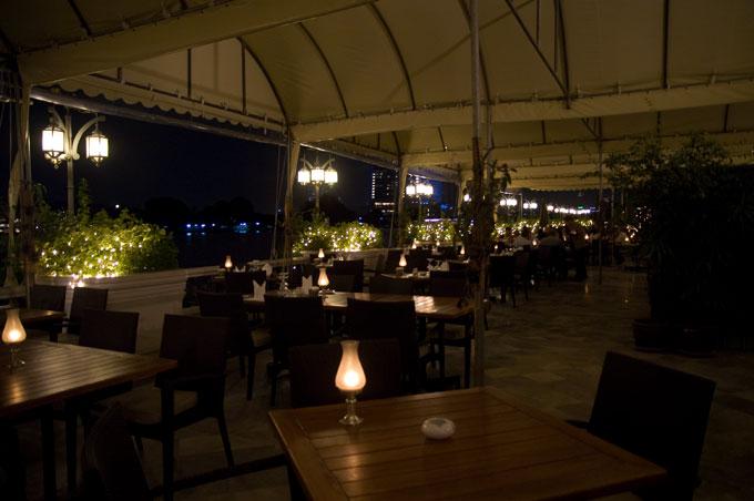 リバーサイドレストラン