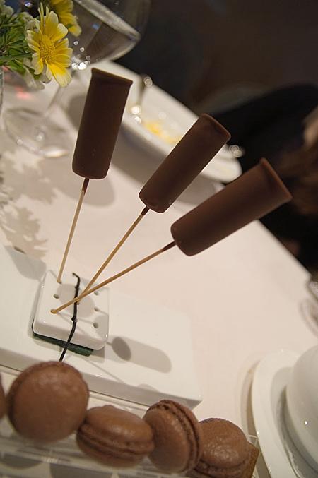チョコアイスとマカロン