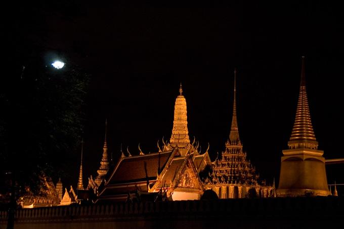 王宮ライトアップ