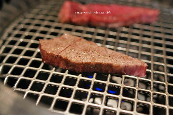 0109-5肉焼き中