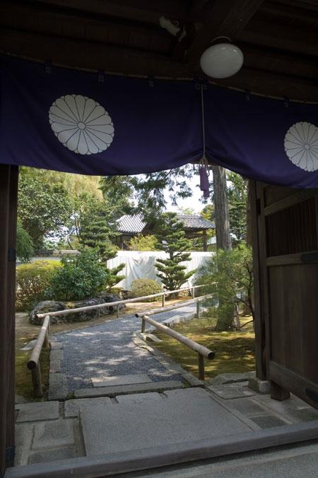 0415-2円通寺門