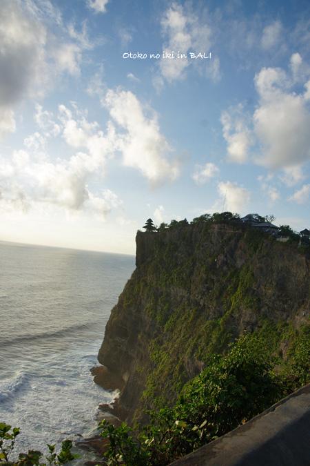 0127-0ウルワツ寺院崖上