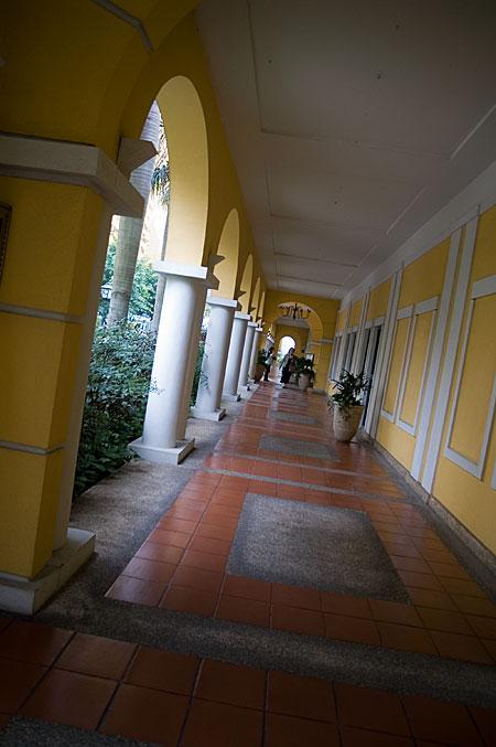 フィットネス棟廊下
