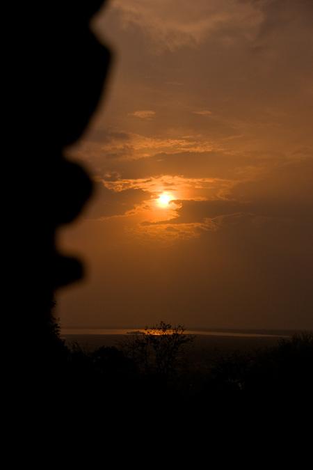 0513-12プノンパケン夕陽2