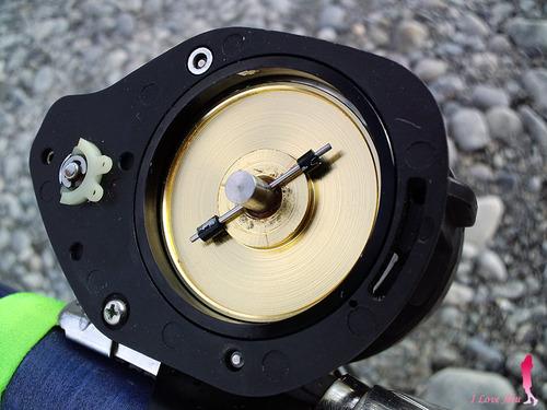 ミリオネア カーボン製遠心ブレーキ搭載