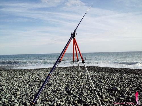 ノーブランド 安物投げ竿 アトミック ランサー 390HG