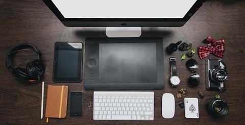 sunglasses-apple-iphone-desk-large