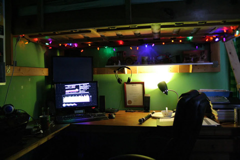 christmasified_desk
