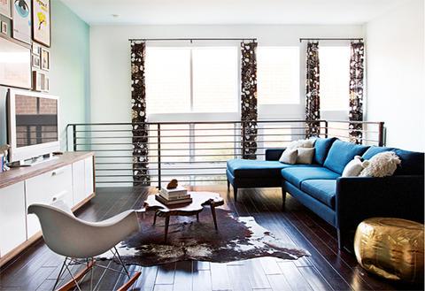 living-room-blue-sofa1