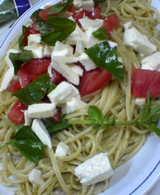 ジェノベーゼ&トマトとモッツァレラ