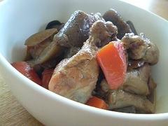 鶏手羽元と新ごぼうの煮物