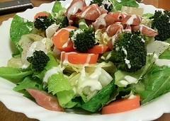 ローメインレタスと温野菜のサラダ