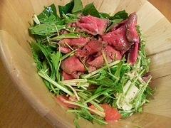 水菜とかぶと牛のたたきのサラダ
