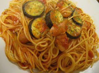 ナスとソーセージのトマトソース