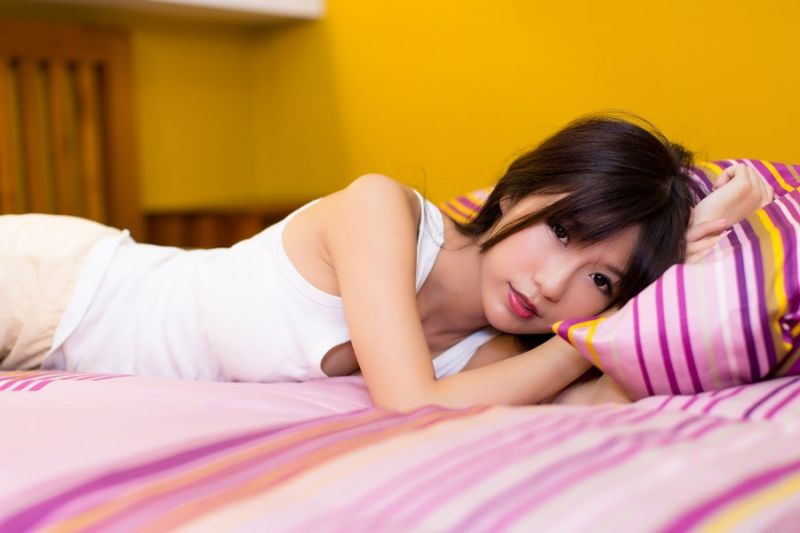彼女 嫁 ベッド