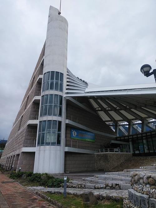屋久島文化センターと観光案内所が入っています、