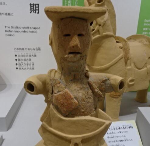 巫女型埴輪