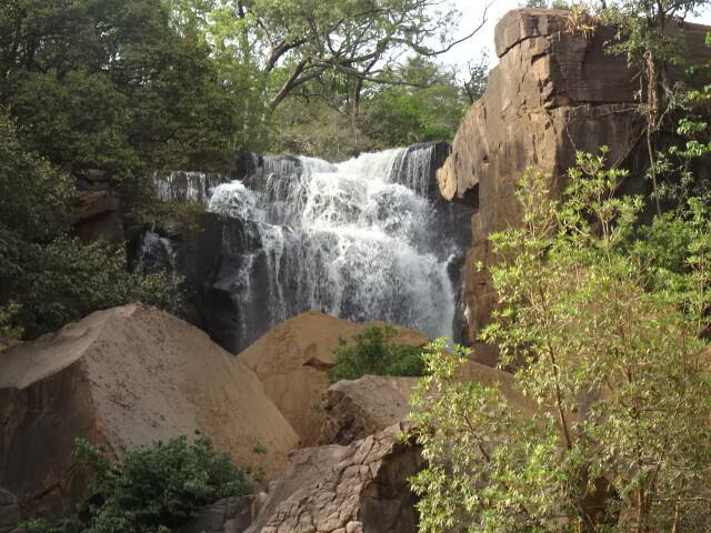 カラフィグエラの滝