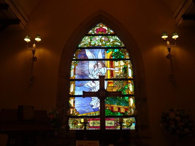 セントマリーズ礼拝堂のステンドグラス