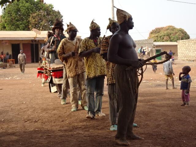 ンゴロダンス