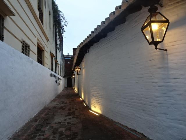 スペイン時代の通りを復元した