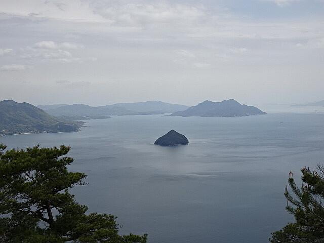 小黒神島と大黒神島