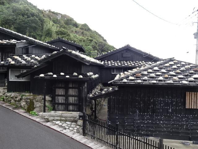 昔ながらの屋根送陽邸