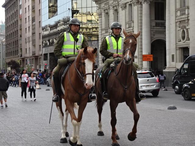 馬に乗ったポリス
