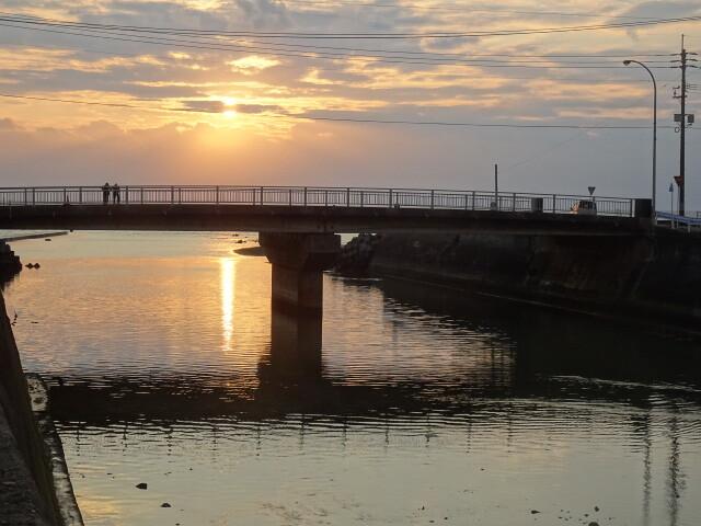 徳之島町の朝日