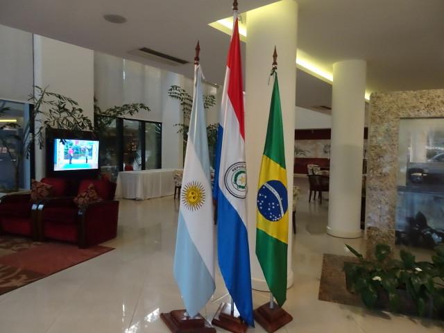 3国の国旗