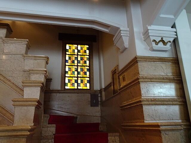 生駒ビルの階段