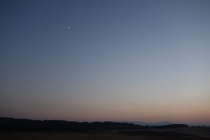 鳥取砂丘 月