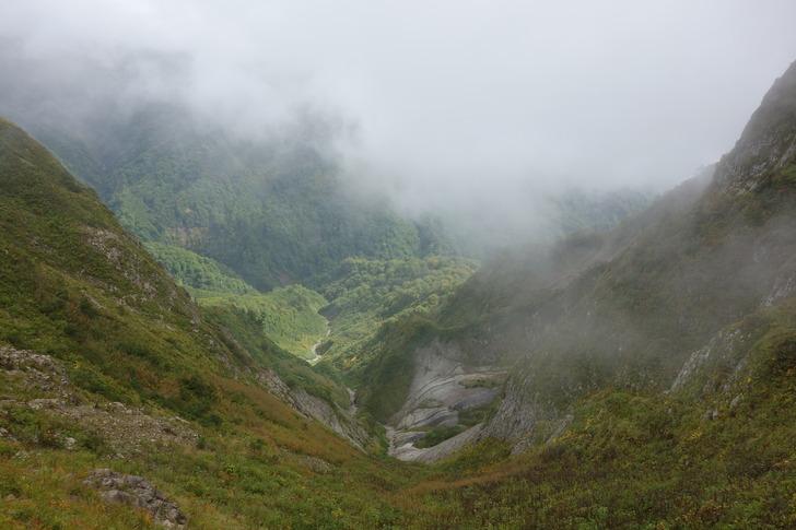雨飾山 谷